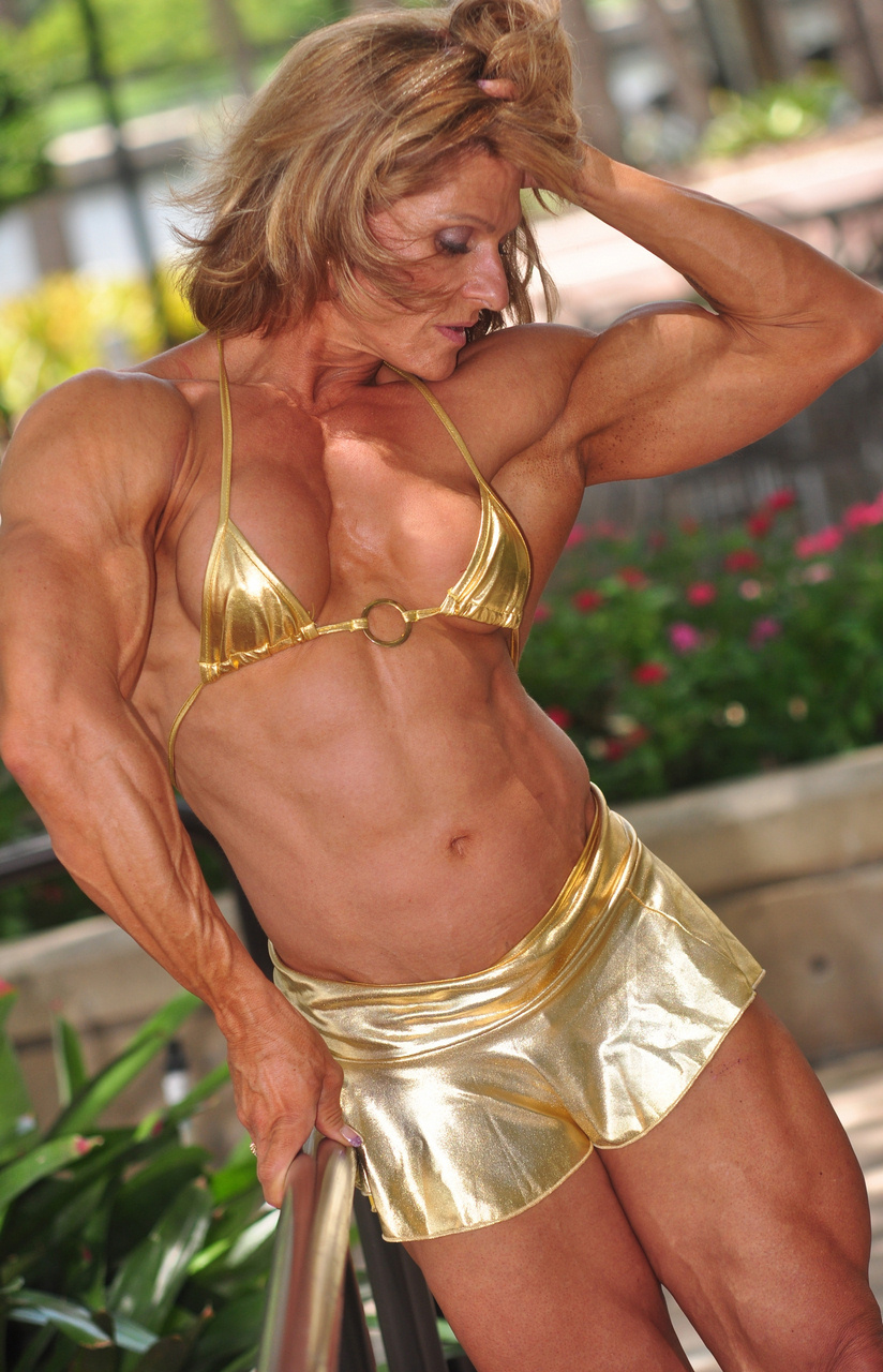 female bodybuilders in pantyhose